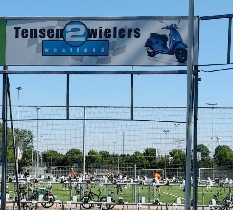 Tensen tweewielers nieuwe sponsor vv Naaldwijk