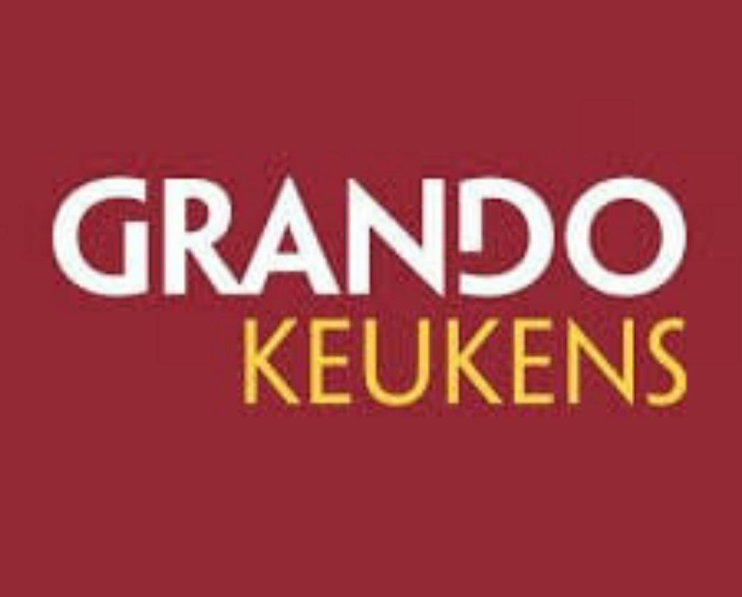 Grando Keukens Naaldwijk nieuwe bordsponsor bij vv Naaldwijk