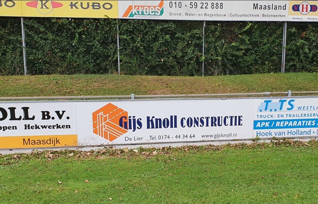 Gijs Knoll nieuwe bordsponsor bij vv Naaldwijk