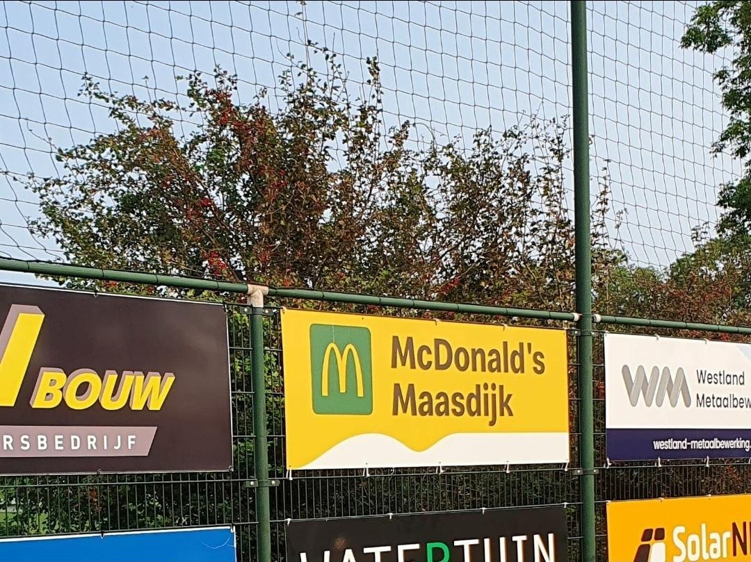 Mc Donalds Maasdijk nieuwe sponsor bij vv Naaldwijk