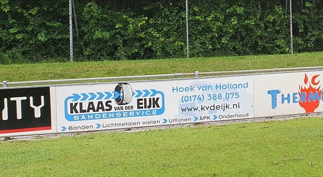 Klaas van der Eijk bandenservice verlengt sponsoring bij vv Naaldwijk