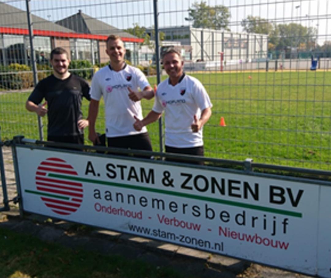 A Stam & Zonen BV verlengt overeenkomst voor reclamebord bij vv Naaldwijk